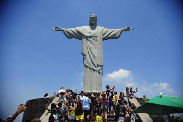 O monumento do Cristo Redentor foi inaugurado em 1931, no alto do Morro do Corcovado