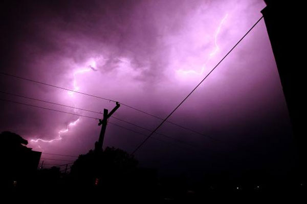 Chuva forte e raios atingiram quase todo o estado