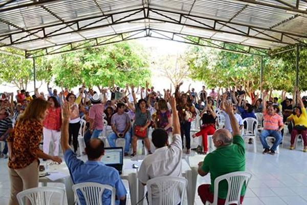 Professores da UERN optaram por manter paralisação durante assembleia realizada nesta terça-feira, me Mossoró