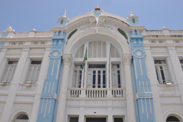 Palácio Felipe Camarão: Foi construído no local da antiga Intendência Municipal com o orçamento inicial de cento e vinte e oito contos, quatrocentos e noventa mil réis. Durante a sua construção foram gastos, de fato, cinco contos e duzentos mil réis.