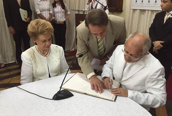 O prefeito irá a Fátima para buscar autorização para construção da réplica da capelinha de Fátima
