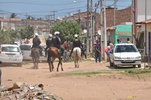 Durante a manhã, a cavalaria da Polícia Militar fez buscas na área do loteamento Nordelândia