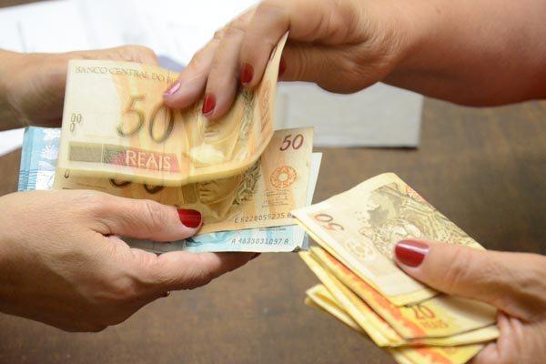 Com mudanças anunciada ontem, menor taxa de juro para empréstimo vai a 32% ao ano
