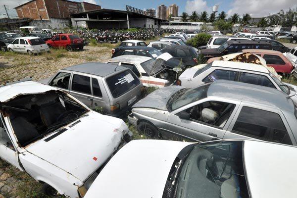 Nos seis pátios do Detran no Estado existem mais de oito mil veículos que podem ir a leilão caso não tenham situação regularizada