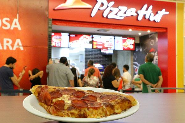 Pizza hut vai ao shopping tribuna do norte alex regis so sete sabores incluindo as pizzas de pepperoni e suprema stopboris Images