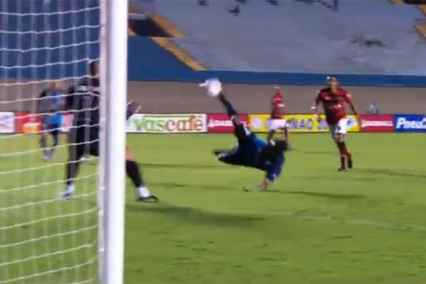 O gol de Wendell Lira foi marcado contra o Atlético Goianiense, pelo Campeonato Goiano