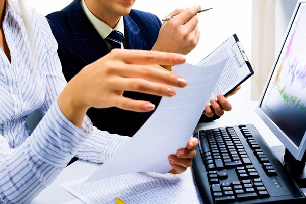 É preciso saber se há as condições para que a atuação na empresa como estagiário ocorra sem atrapalhar o andamento do curso