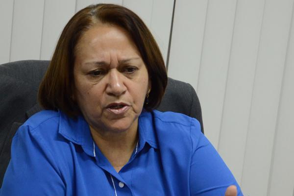 Fátima Bezerra reage aos que defendem a saída de Dilma Rousseff e acusam o ex-presidente Lula
