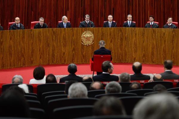Ministros do Tribunal Superior Eleitoral definem o calendário para as eleições municipais