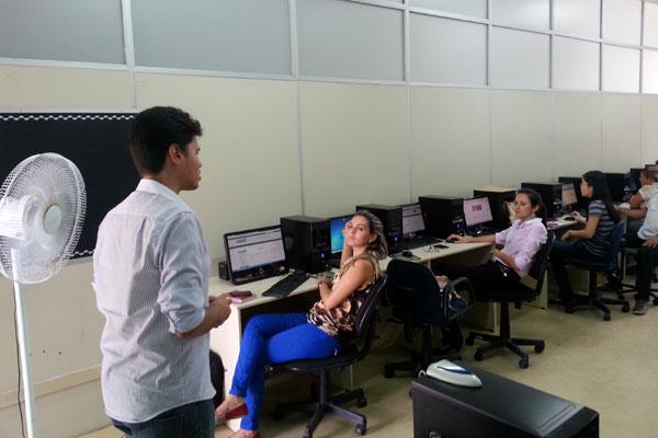 Os cursos são voltados à Logística, Informática e Programação, Metrologia, Noções de Mecânica de Automóveis, Finanças Pessoais...