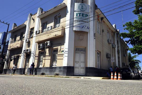 Itep terá concurso para 40 vagas, sendo 15 para legistas