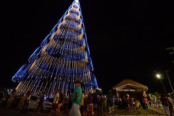 Até dia 11 de janeiro, a área residencial de Mirassol é o centro de atividades de lazer e cultura em torno da árvore de luzes