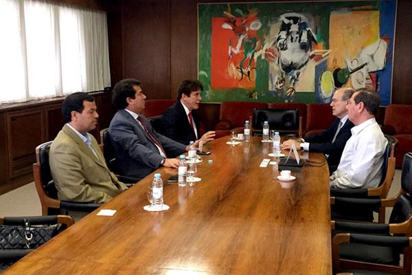 O governador Robinson Faria em reunião com executivos da TAP: Novo voo a partir de dezembro