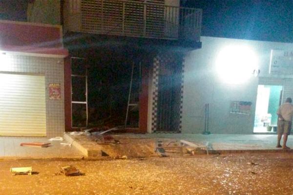 Agência do Bradesco de São Rafael ficou completamente destruída após explosão na madrugada desta sexta-feira