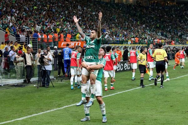 Após viver um drama e se livrar da suspensão de 180 dias, Dudu consegue dar a volta por cima e garantir a conquista do Palmeiras