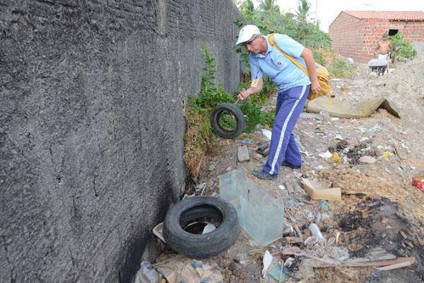 Dos 193 agentes de endemias que devem atuar diretamente em campo, combatendo o mosquito, apenas 99 estão trabalhando