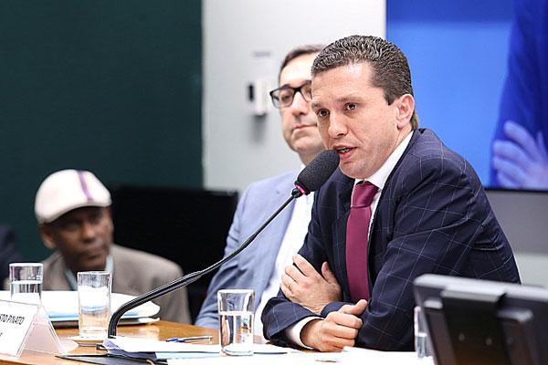 Pinato foi destituído da função de relator nesta quarta-feira