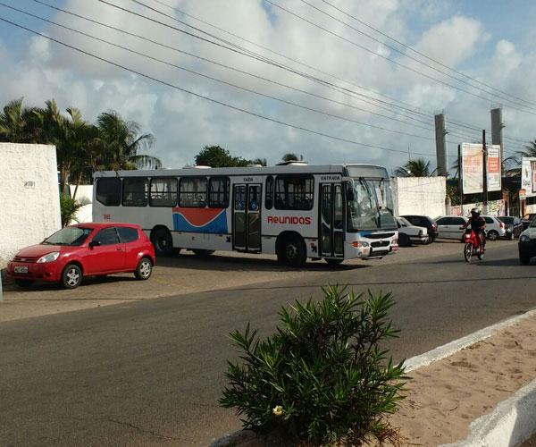 na zona norte, os ônibus começaram a sair das garagens por volta das 7h30