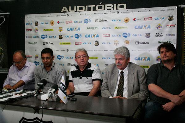 A diretoria do ABC esteve presente na apresentação do técnico Narciso e afirmou que treinador não é uma aposta e sim, realidade