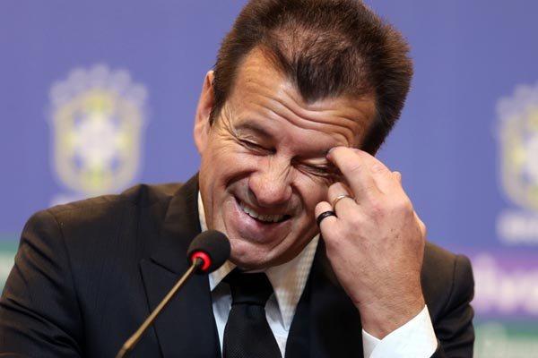 Caso venha a sofrer derrotas em série este ano, Dunga pode perder a vaga no comando da Seleção