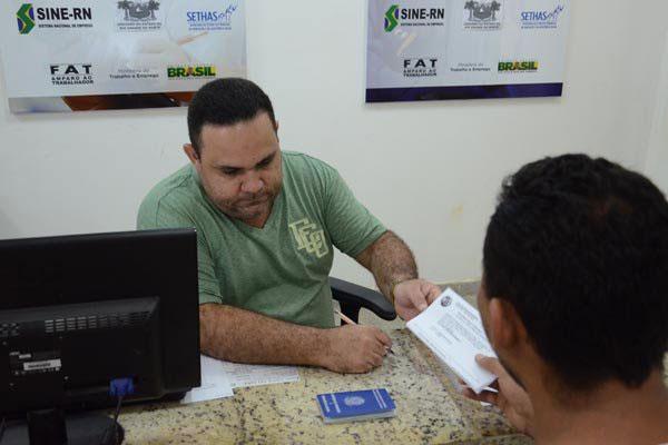 Cadastro de 2015 tinha mais de 38 mil pessoas à espera de emprego na região metropolitana