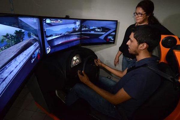 Repórter Marcelo Filho, que nunca dirigiu, testou o simulador