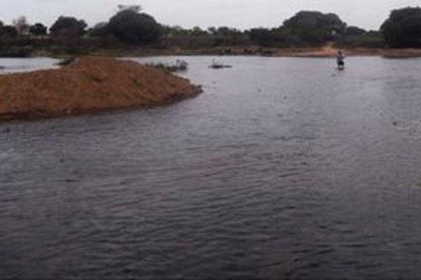 No trecho São Bento (PB)/Jardim de Piranhas, rio tem bom volume