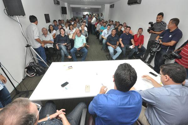 Prefeitos participam de reunião na Federação dos Municípios para decidir sobre mobilizações