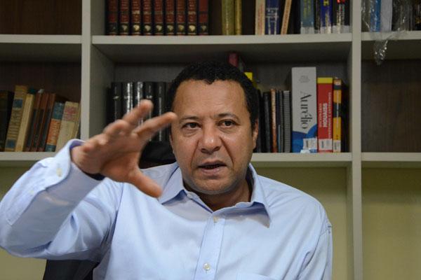 Procurador José Diniz afirma que contrato transferia riscos e custos da produção para o agricultor