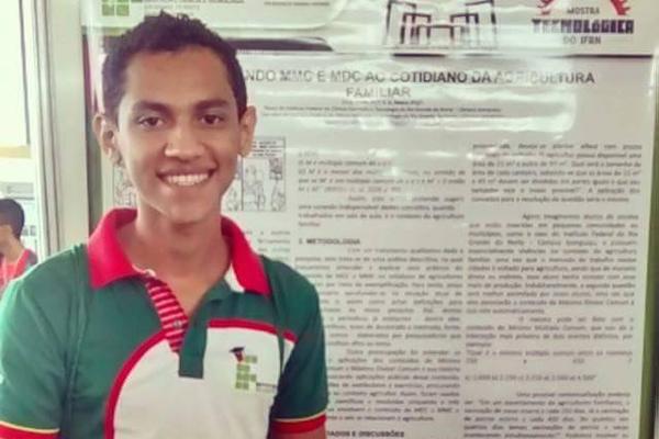 Fábio Constantino, 19 anos, vive em Assu e vai cursar na medicina na UFRN