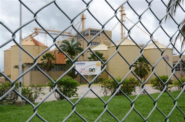 Conforme anunciado em novembro de 2015, a Ambev realizou ontem (18) o fechamento de sua fábrica no Rio Grande do Norte