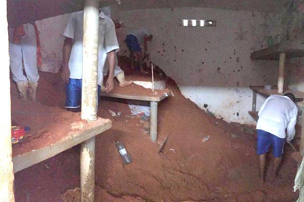 Morro foi formado com terra retirada na escavação de túnel