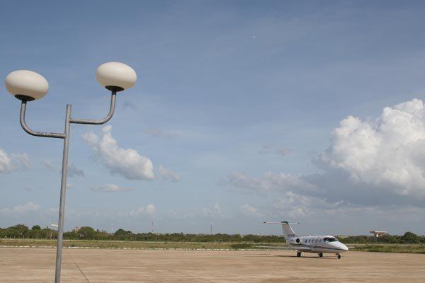 Aeroporto Dix-sept Rosado tem média de 6 mil voos particulares por ano, diz o Departamento Estadual de Estradas de Rodagem