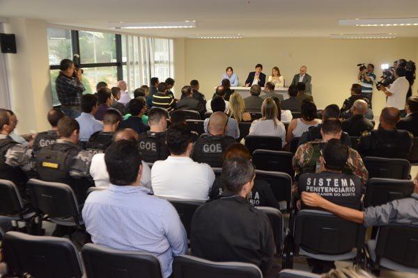 Em reunião com integrantes da área de Segurança Pública, o governador Robinson Faria afirmou que quem não apresentar os resultados esperados, sairá da equipe