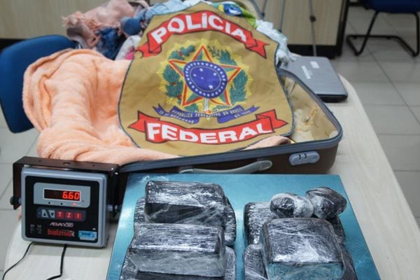 Haxixe e pasta de coca estavam em voo procedente de Brasília