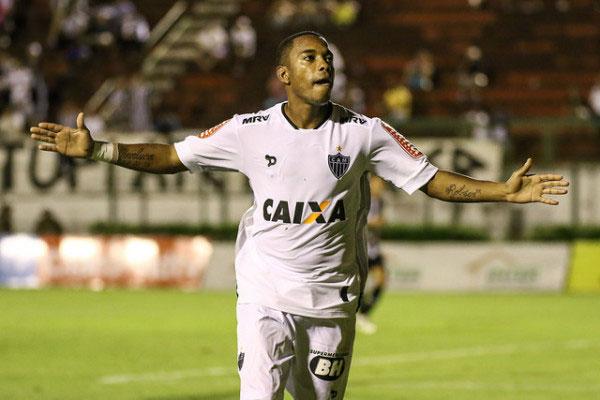 Robinho e Santos cancelaram contrato após repercussão negativa