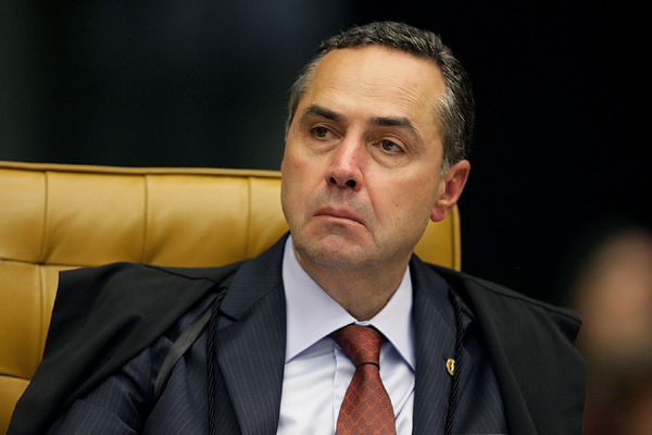 Para o ministro Luis Roberto Barroso, pessoas não podem requerer que as reportagens sejam retiradas do ar