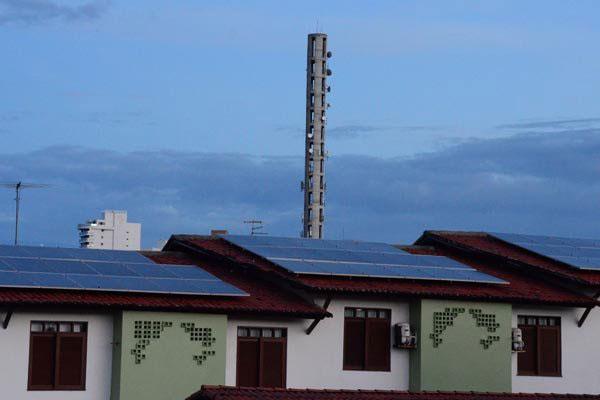 Placas de energia solar em hotel de Natal: Instalação de equipamentos, segundo usuários, ajuda a reduzir valor da conta de energia