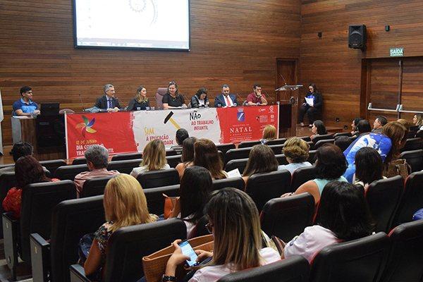 Situação do trabalho infantil motivou debate com membros do Executivo, Legislativo e Judiciário