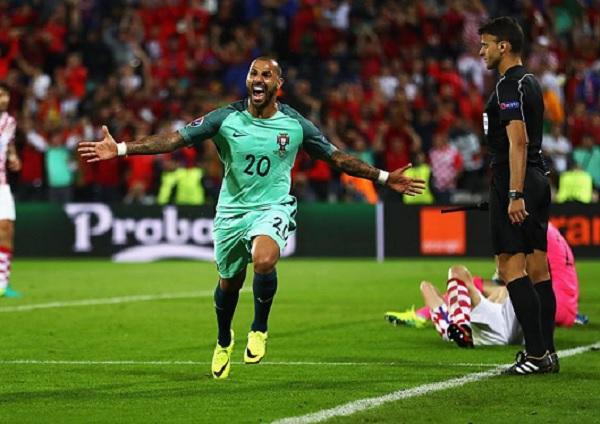 O gol de Quaresma fez Portugal avançar para as quartas de final com sua primeira vitória na Eurocopa