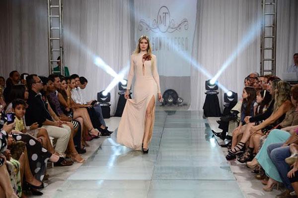 Miss RN 2015 Manoela Alves desfilou no evento