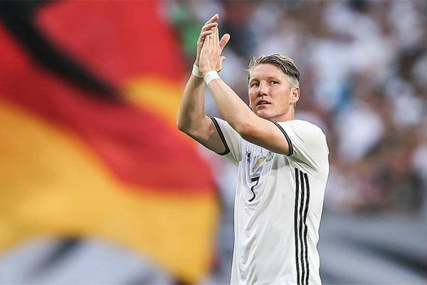 Em 120 jogos de Schweinsteiger pela seleção, foram 81 vitórias, 19 empates e apenas 20 derrotas