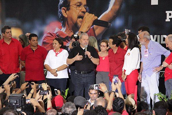 Lula participa da convenção municipal do PT que oficializa candidatura de Fernando Mineiro