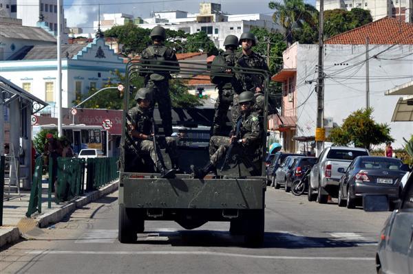 Resultado de imagem para Exército nas ruas de natal
