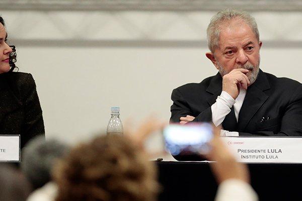 Resultado de imagem para A 10ª Câmara de Direito Criminal do Tribunal de Justiça de São Paulo decidiu manter a denúncia do caso tríplex 164-A do Guarujá atribuído ao ex-presid
