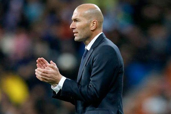 Zidane comemorou volta de Cristiano Ronaldo a equipe. Real joga nesta quarta-feira contra o APOEL, do Chipre