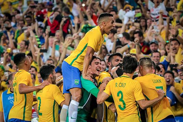 Brasil vence Alemanha e conquista primeiro ouro olímpico no futebol ... dd7facae694db