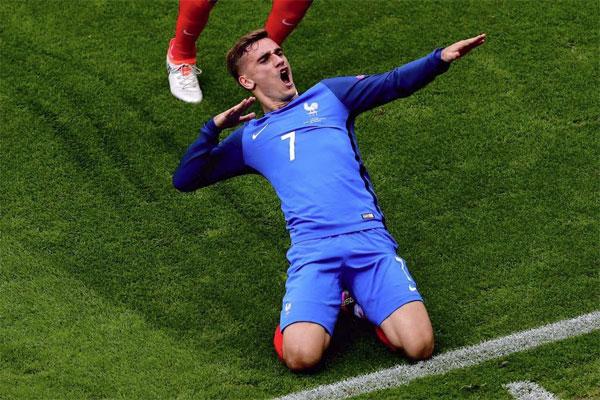 O atacante francês Antoine Griezmann garantiu que espera ainda mais à próxima temporada