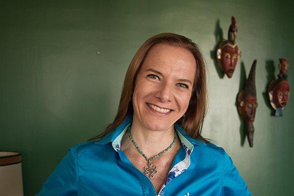 Ana Carla explica que ainda há resistência, no Brasil, em colocar a economia criativa como um dos propulsores do desenvolvimento