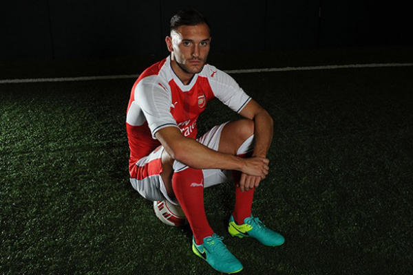 c0452ced8c Arsenal se reforça com o atacante espanhol Lucas Pérez - Tribuna do ...